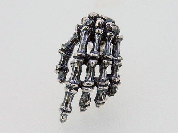 手骨、ボーンハンドのピアス