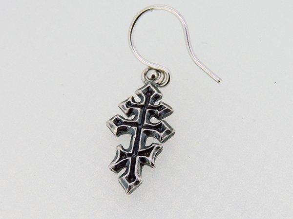 十字架、クロスのピアス